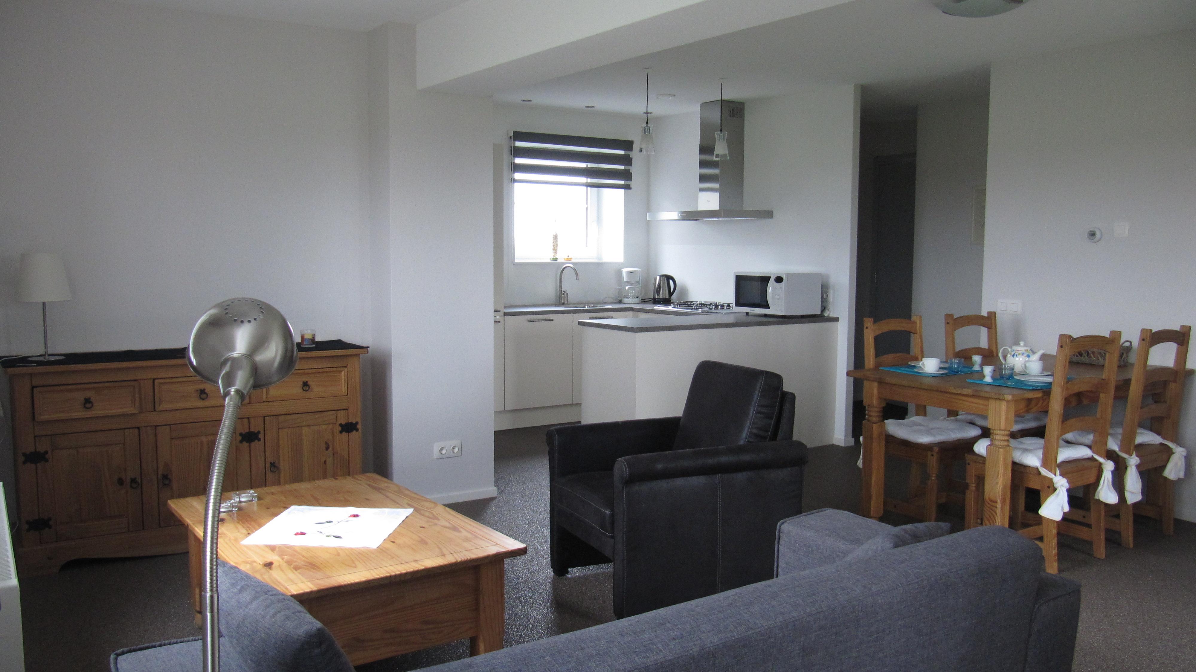 room kitchen 2